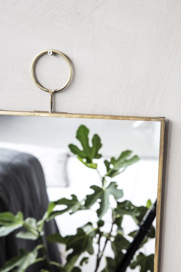 Detail-Wandspiegel-Loop