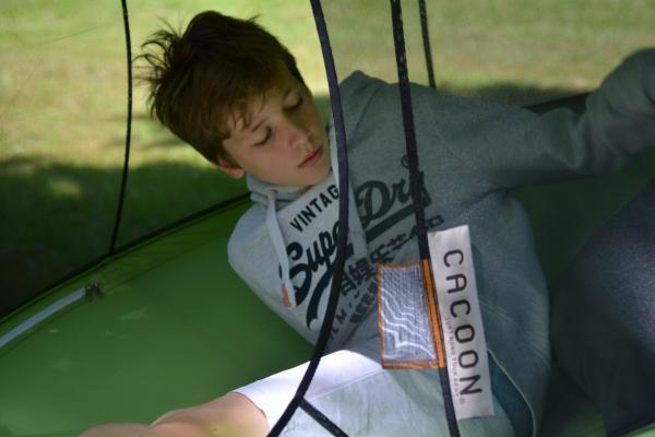 Kinderschaukel-Cacoon-Reto-single-von-hang-in-out3