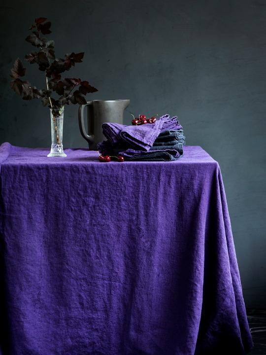 Leinentischdecke-in-aubergine-von-Lovely-linen58d121ab82ebc