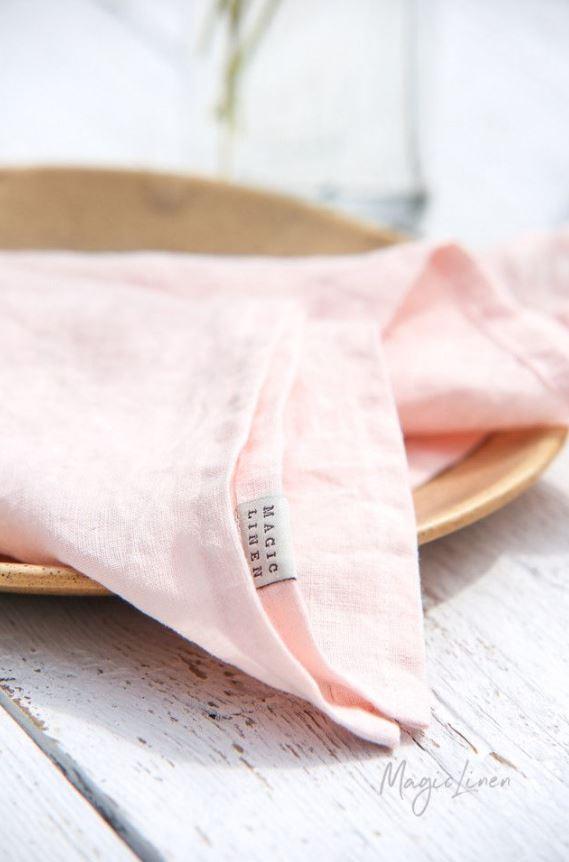 Stoffservietten-in-light-pink-aus-Leinen