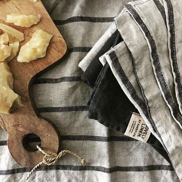 Tischdecke-und-Servietten-Stripes-black-von-Lovely-Linen