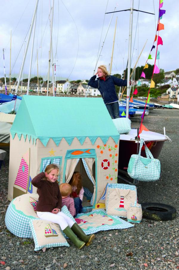 boathouseinboatyard-withchildren