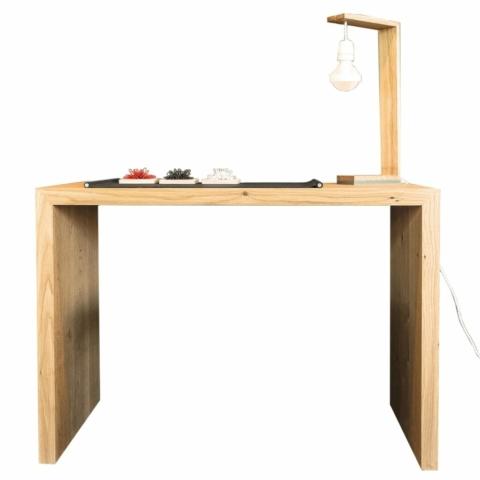 Schreibtisch aus Massiveiche